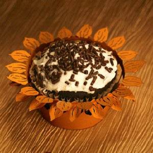 picSunflowerCupcakeWrappers